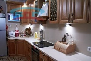 Общий вид столешницы из камня для кухни из искусственного камня