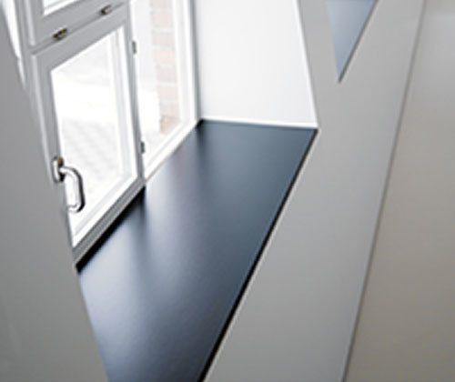 Производство подоконников из акрила с установкой под окна под окна