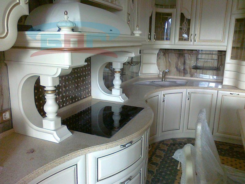 Красивая кухонная столешница из камня