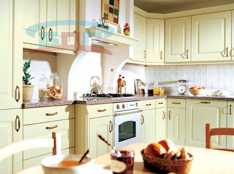 Столешница из камня на классическую кухню