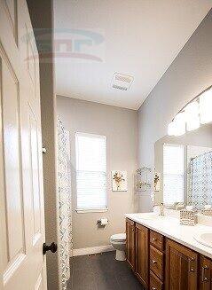 Белая столешница в ванную