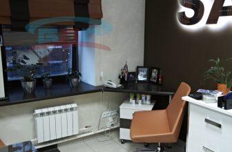 Столешница-подоконник в комнате