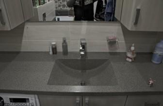 Единым целым раковина и столешница в ванну